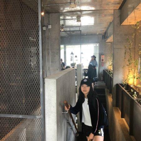 Mojo Coffee Waseda: 很不错哦,很干净很纯粹,很喜欢,这次只是进去体验,因为刚吃过饭,所以没有体验,以后有机会一定要体验。