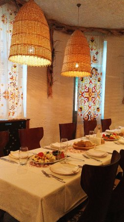 Moma Bulgarian Food & Wine: 环境不错
