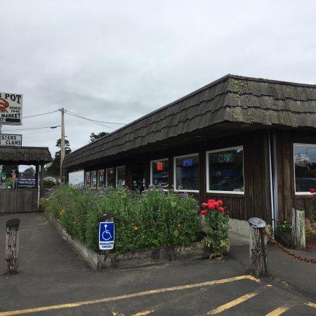 Long Beach, WA: 搜到这家店,自1946年就开始经营,开车过来,等会上菜再点评
