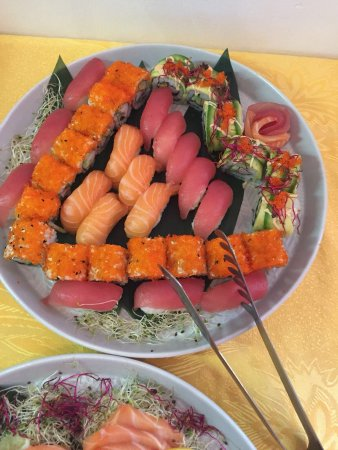 Asia Express Chen: 星期日自助寿司20多种新产品,让人感觉好满足