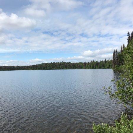 Byers Lake: 贝尔湖光山色