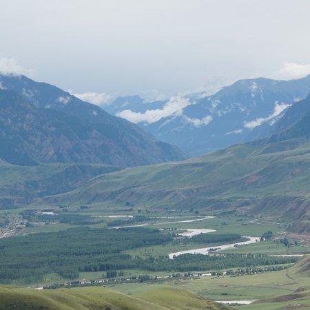 新疆维吾尔自治区特克斯县: photo1.jpg