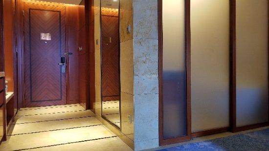 Wujiaqu, China: 乌鲁木齐君豪温德姆酒店