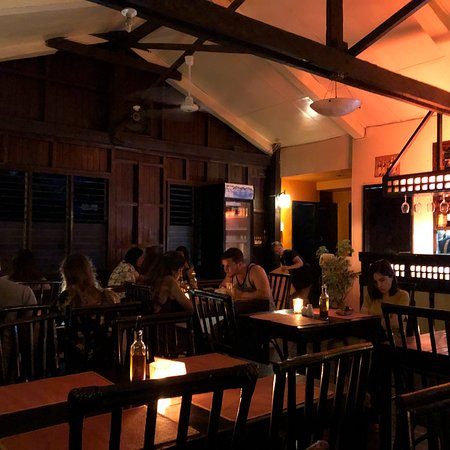 Where to eat in El Nido - Shows the inside of Altrove at night