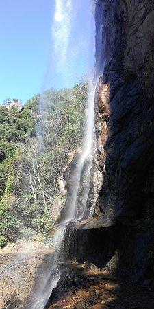 Taizhou Longchuan Canyon: 去趟这个景区还是不容易的,从宁波开过去140km,路上山路还是比较好走的,限速70。景区门票在网上订便宜点,两个人大门票加玻璃栈道125块钱就够了。景区不大,爬完2个小时差不多了,风景还是不错的。玻璃栈道一般,滑滑梯比较好玩。