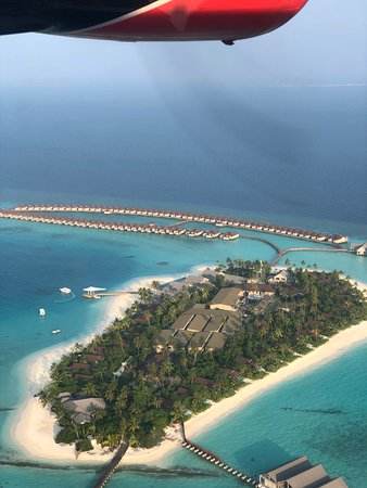 Raa Atoll: 从水飞上鸟瞰这个度假村 see from waterjet to carpe diem resort sooooo great