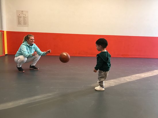 最愉快的和Ashleigh玩篮球时间