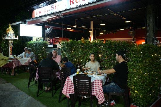 La Casina Rossa kathu: Cozy atmosphere! Hospitality service!Stunning   Napoli flavors !