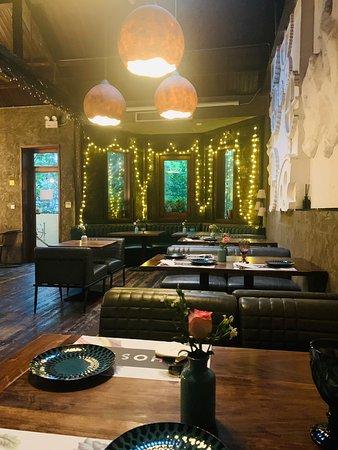 环境优雅闹中取静的西餐厅