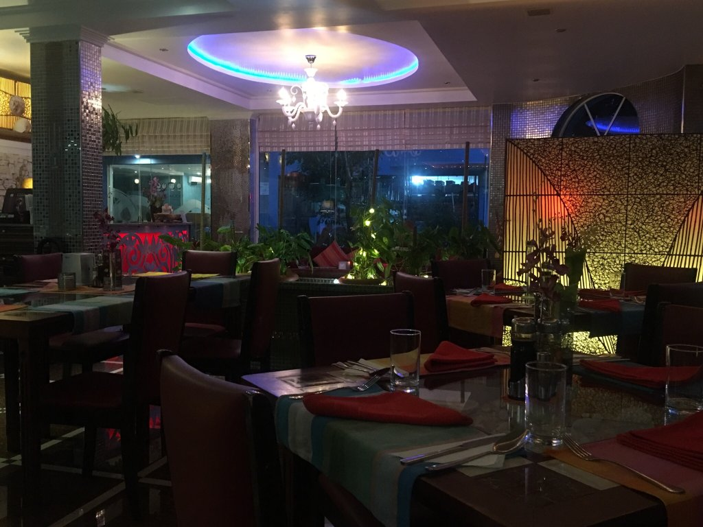 Le vieux nice inn hulhumale recenze a srovn n cen for The family room hulhumale