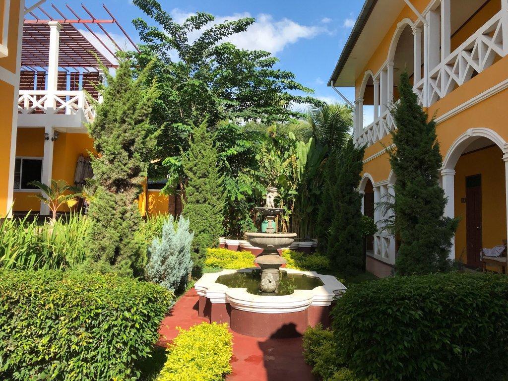 Le jardin hotel bewertungen fotos preisvergleich for Hotel le jardin 07700
