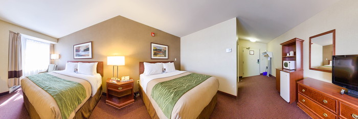 Panorama of the Accesible Two Queen Beds at the Comfort Inn Halifax