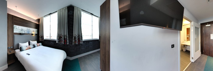 Panorama of the Accessible Aloft King Room at the Aloft Liverpool