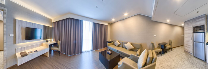 Panorama of the One-Bedroom Premier Suites at the Adelphi Suites Bangkok