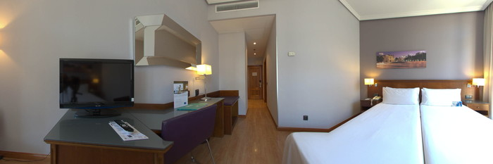 Panorama of the Balcony Room at the Tryp Madrid Cibeles