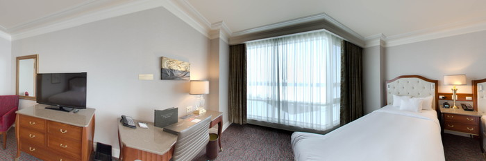 Panorama of the Classic Double Queen Room at the Hilton Lac-Leamy