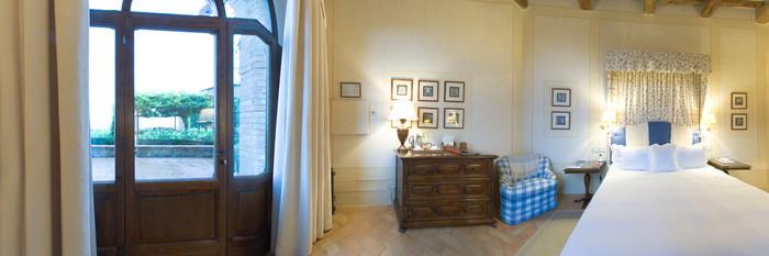 Panorama of the Classic Room at the Castello Banfi - Il Borgo