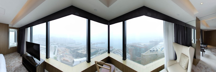 Panorama of the Club Suite with Harbour View at the Hotel ICON