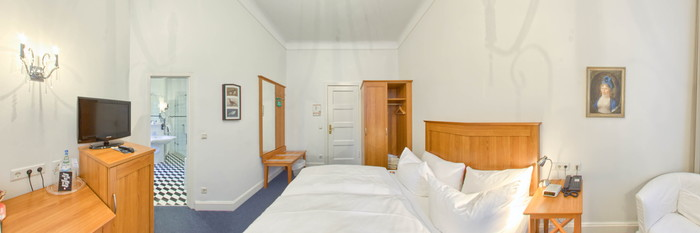 Panorama of the Comfort Room at the Hotel Brandies