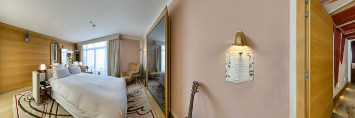 Panorama of the Deluxe Collection Room at the Le Royal Monceau-Raffles Paris