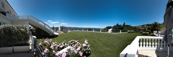 Panorama of the Deluxe Double Room with Sea View at the Villa Belrose Hotel