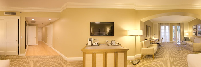 Panorama of the Deluxe Golf View King at the Turnberry Isle Miami, Autograph Collection