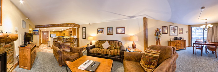 Panorama of the Deluxe One Bedroom at the Silver King Hotel