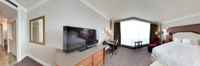 Panorama of the Deluxe Room at the Hilton Lac-Leamy