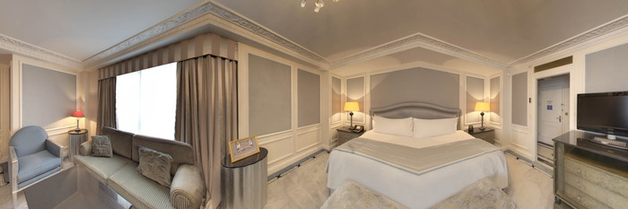 Panorama of the Deluxe Room at The Bentley London