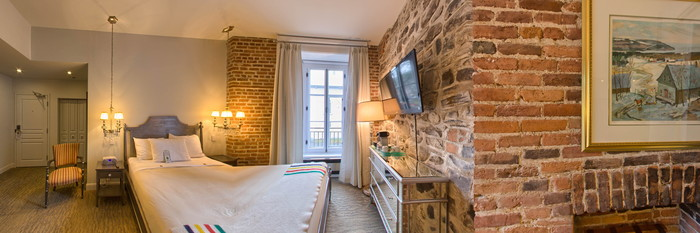 Panorama of the Deluxe Room at the Auberge Place D'Armes