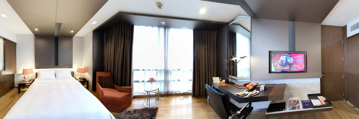 Panorama of the Deluxe Room at the Pathumwan Princess Hotel