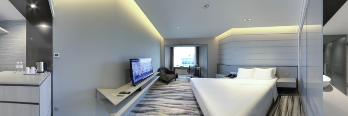 Panorama of the Deluxe Room at the Carlton Hotel Singapore