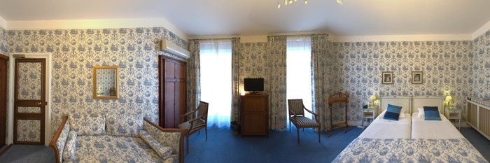 Panorama of the Deluxe Room (Street View) at the Grand Hotel des Templiers
