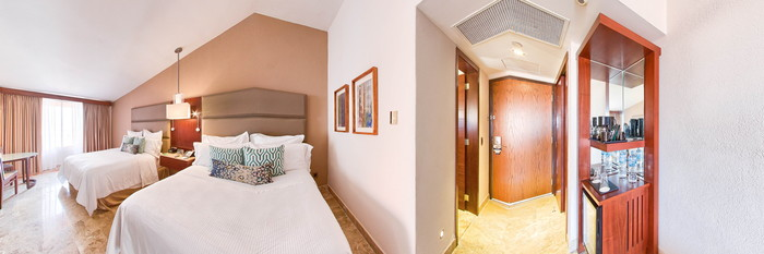 Panorama of the Deluxe Room Two Double at the Fiesta Americana Veracruz