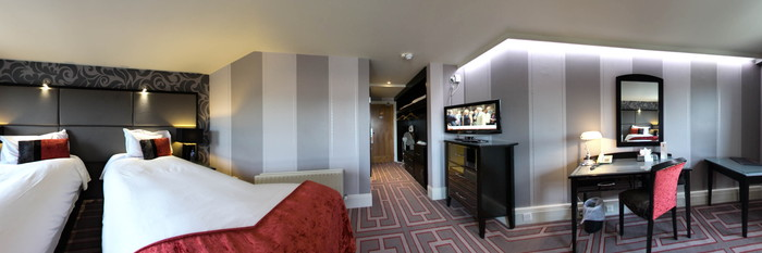 Panorama of the Deluxe Twin Room at the Benedicts of Belfast