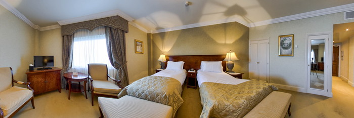 Panorama of the Deluxe Twin Room at The Heritage Killenard