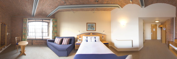 Panorama of the Double Dockview Room with Sofabed at the Holiday Inn Express Liverpool-Albert Dock
