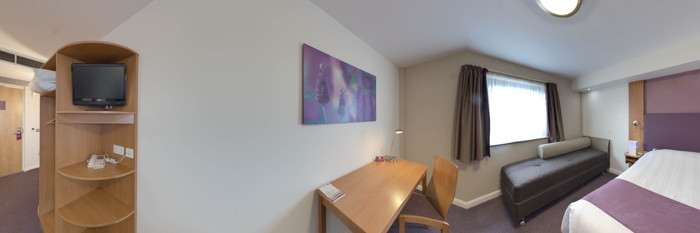 Panorama of the Double Room at the Premier Inn Manchester Airport (M56/J6) Runger Lane North