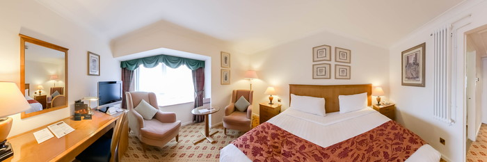 Panorama of the Double Room at The Derbyshire Hotel