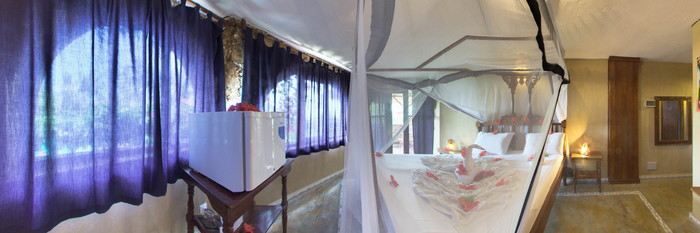Panorama of the Double Room at the Samaki Lodge & Spa