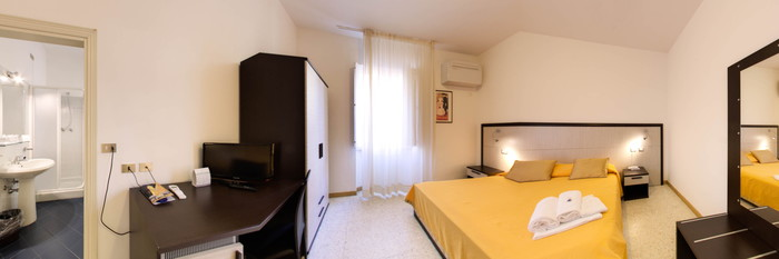 Panorama of the Double Room at the Hotel Minerva