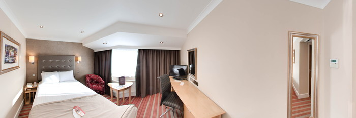 Panorama of the Double Room at the Ramada Dover
