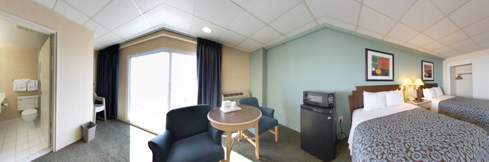 Panorama of the Double Room with Ocean View at the Days Inn Atlantic City OceanFront
