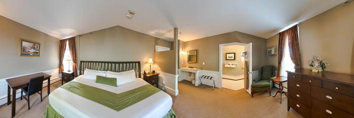 Panorama of the Elegant at the Essex Street Inn & Suites