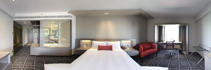 Panorama of the Executive Club Room at the Carlton Hotel Singapore