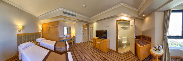 Panorama of the Executive Deluxe Room (Twin) at The Harbourview Hong Kong
