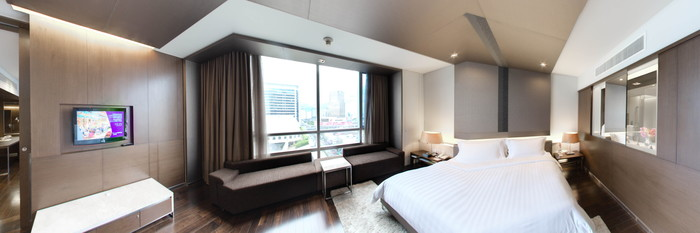 Panorama of the Executive Plus Family Room at the Pathumwan Princess Hotel