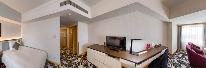 Panorama of the Executive Twin Room at the ANA Crowne Plaza Hotel Grand Court Nagoya