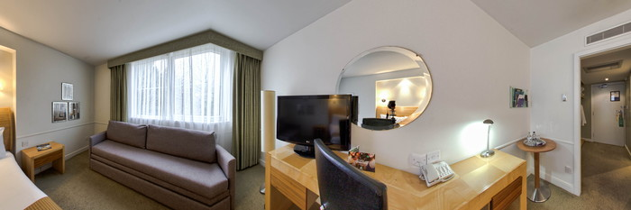 Panorama of the Family Executive Room at the Holiday Inn Gloucester - Cheltenham