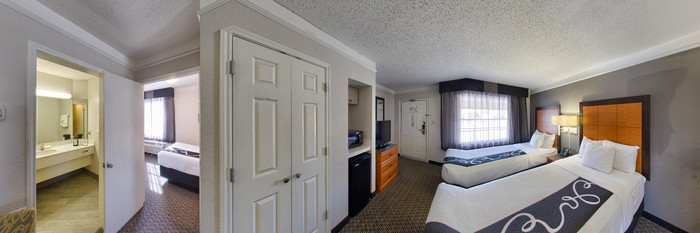 Panorama of the Family Suite at the La Quinta Inn Dallas Uptown